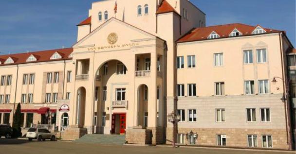 Русский стал вторым официальным языком в Карабахе